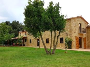Casa rural a Cabanelles (Alt Empordà)