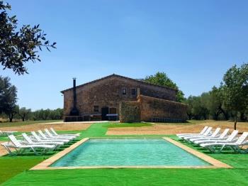 Villa in Cabanelles (Alt Empordà)
