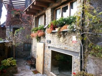 Casa rural a Calvinyà (Alt Urgell)